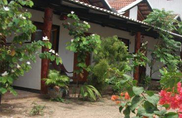 topten beach hotel arugam bay